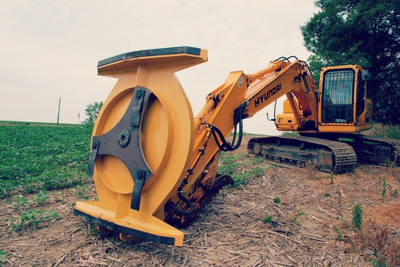 Excavator-Attachments-Available-Online
