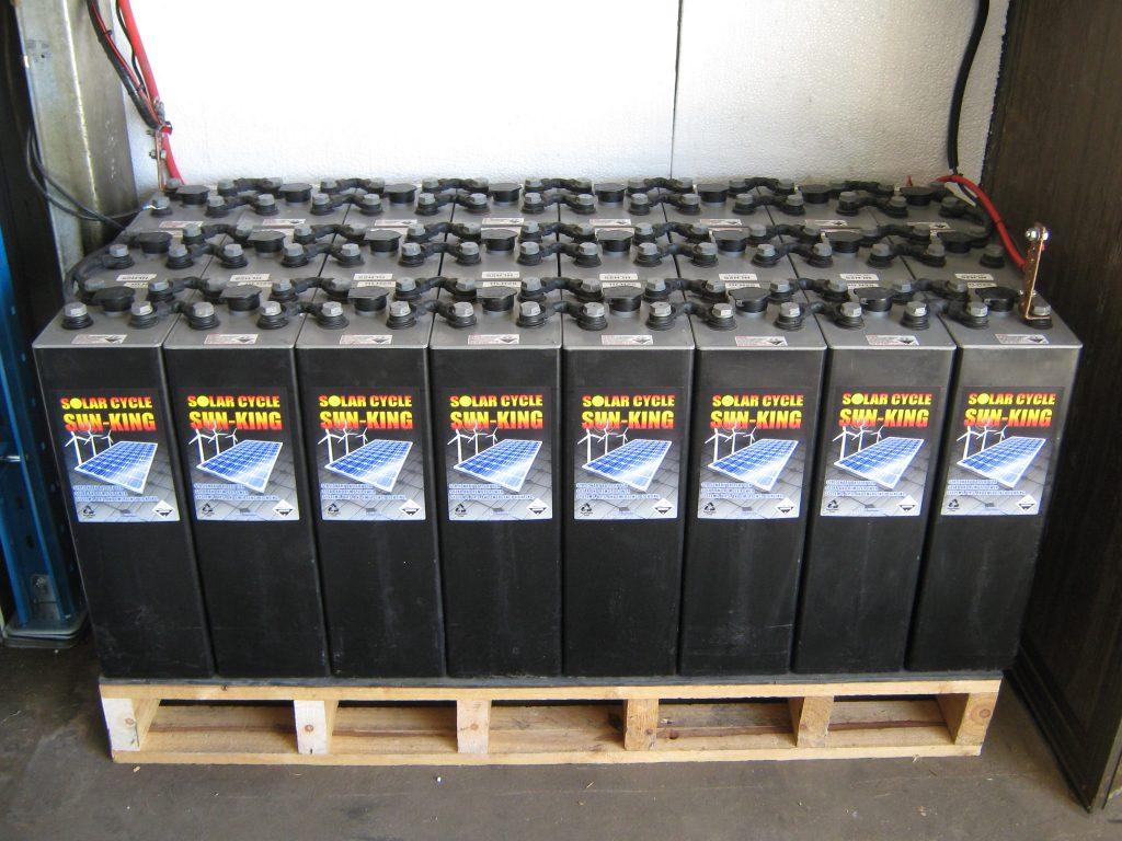 deep-cycle-batteries1