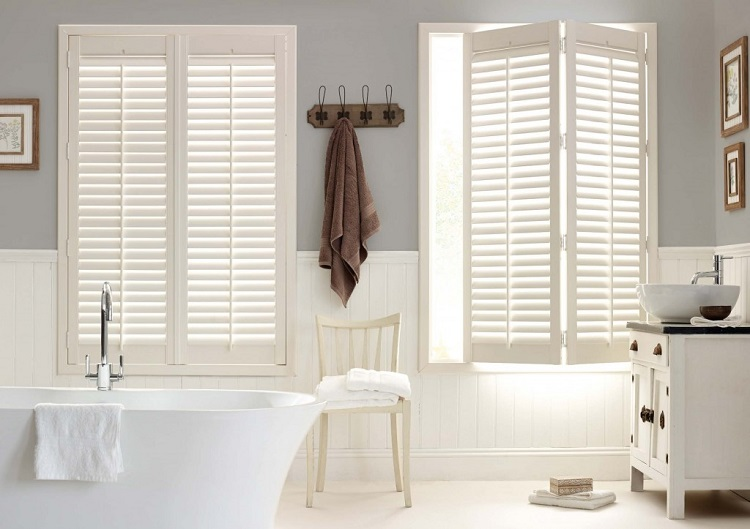 plantation-shutters-bathroom