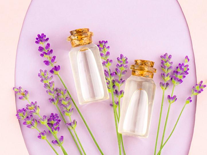 Lavender-essential-oil-for-acne-scar