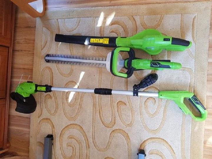 awnmower, grass trimmer, leaf blower