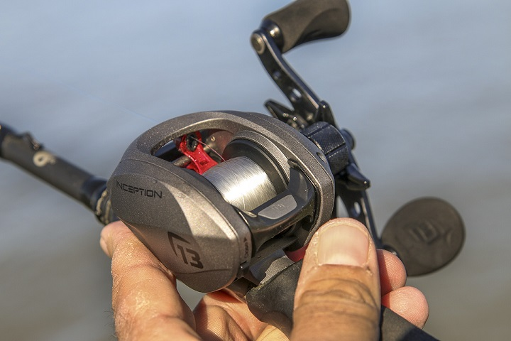 close up picture of fishing reel