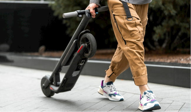 carrying an electric scooter