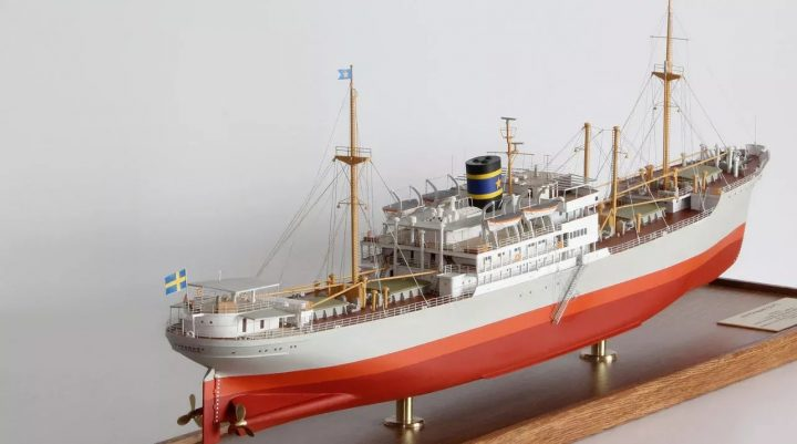 sailing model ship