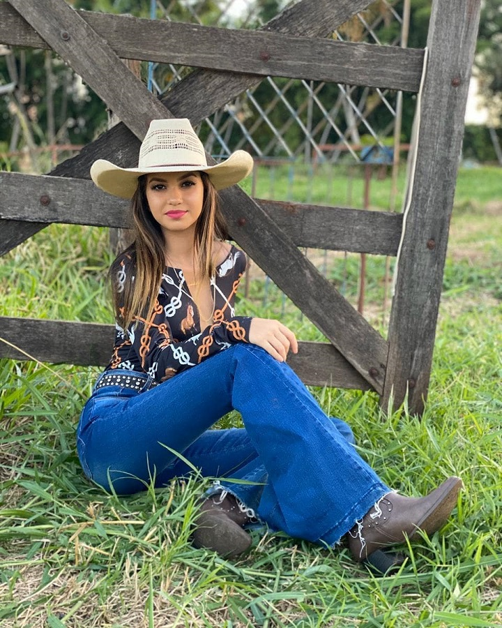 Women's Country Style