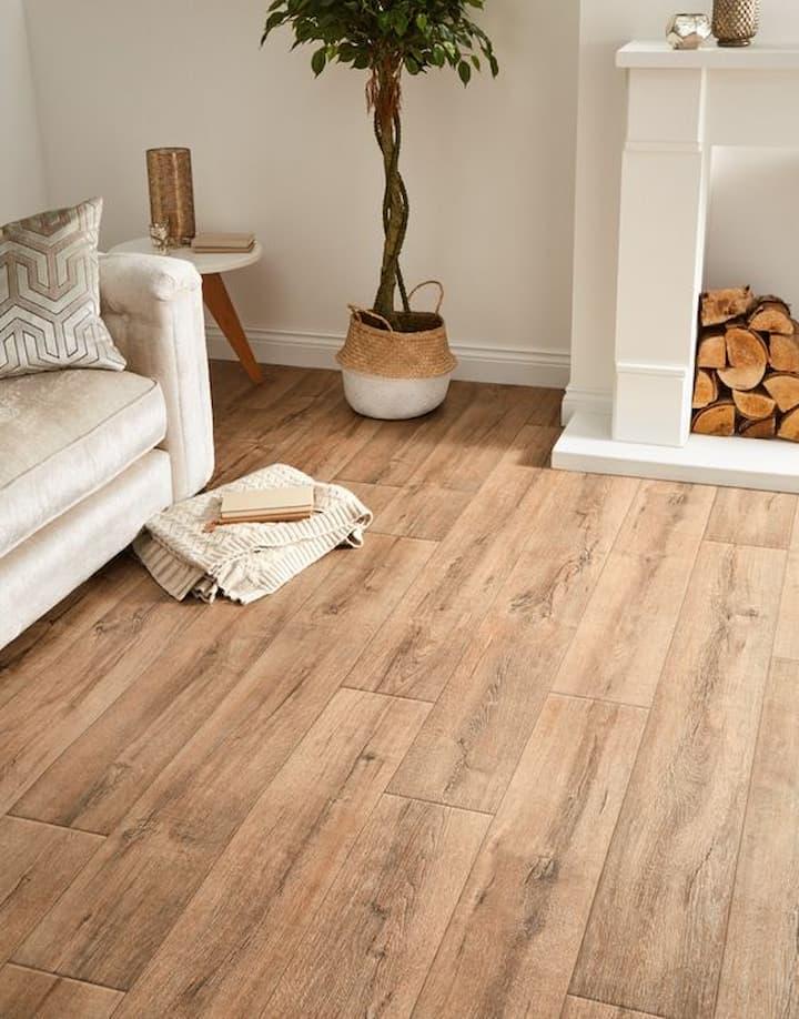 beautiful livingroom vinyl flooring