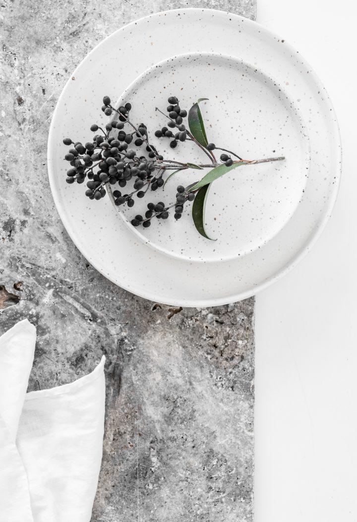 Speckle Medium Snow Ceramic Plates